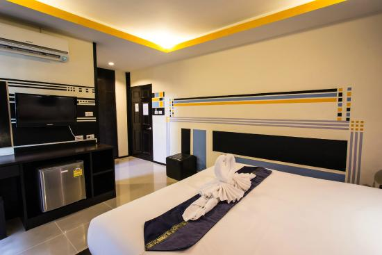 Lavender Hotel: Superior Room with Window