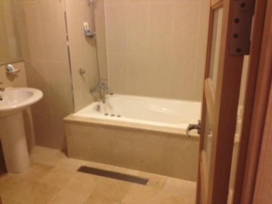 Hotel Sunbee : bathroom