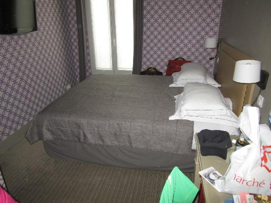 Hôtel Apollon Montparnasse : very comfortable queen size bed