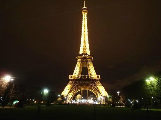 эйфелевой башни фото ночью
