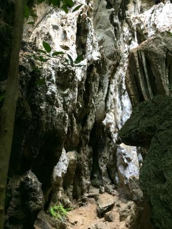 Khao Sam Roi Yot National Park: Спуск в пещеру