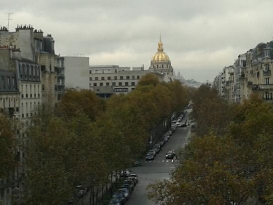 Hotel Eiffel Segur : Вид из нашего окна