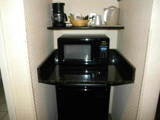 Comfort Suites: Coffee, Microwave, & Refrigerator in all rooms