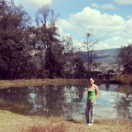 Raquira Silvestre Lodge : El lago, área central