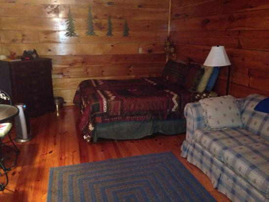 Brownwood Bed and Breakfast and Cabins: #3