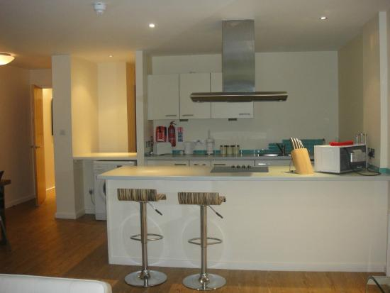 Princes Street Suites: Kitchen fully kitted out