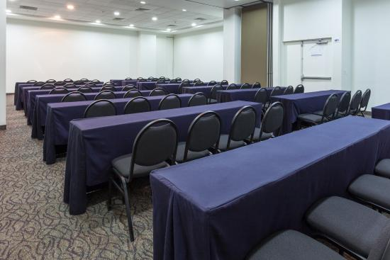 Holiday Inn Express Guadalajara Iteso: Salones para eventos
