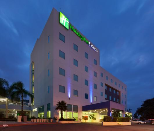 Holiday Inn Express Guadalajara Iteso: Exterior