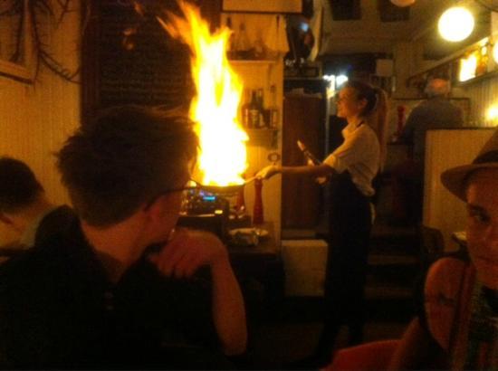 Klassisk Bistro & Vinbar : Peberbøfferne flamberes helt perfekt