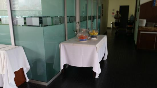 Holiday Inn Express Medellin: Breakfast area