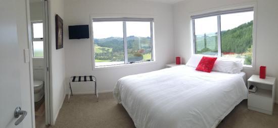 Mercury Villas : 3 Bed Villa - main bedroom with ensuite