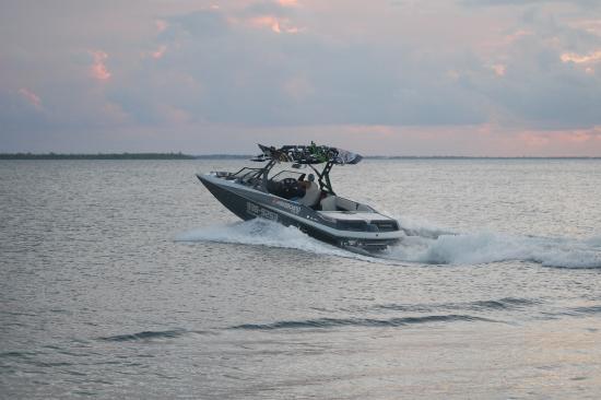 Wakeboard Cayman : Drop off at Kaibo