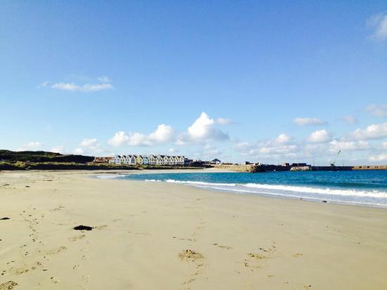Braye Beach Hotel: Braye Beach in November