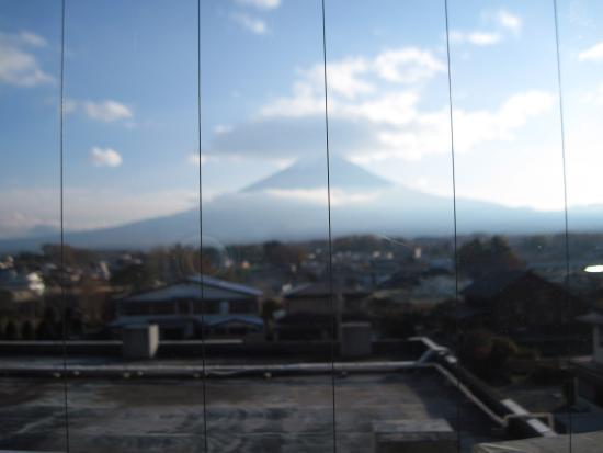 Lake Land Hotel Mizunosato: Fujisan outside my window.