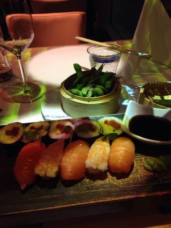 Izkaya Asian Touch Table Restaurant : sushi and edamane