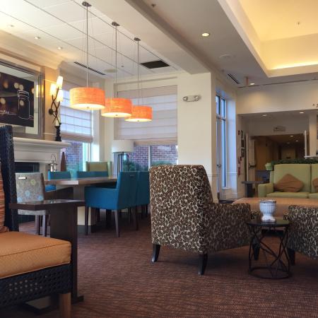 Hilton Garden Inn Kennett Square: Lobby