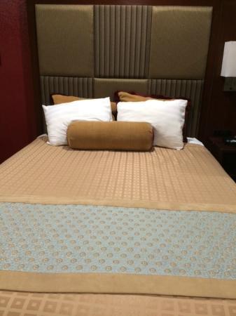 Best Western Plus Yosemite Way Station Motel: Lovely room