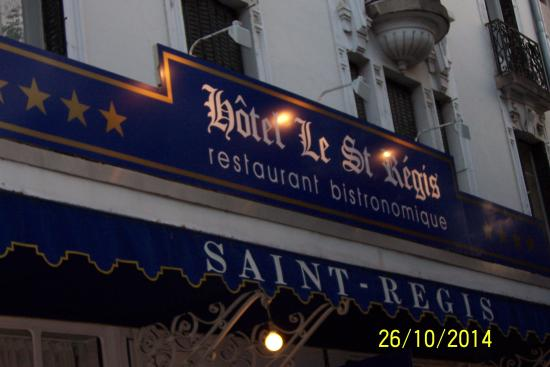 Saint Regis : Extérieur