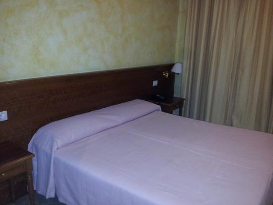 Kriss Hotel: Letto