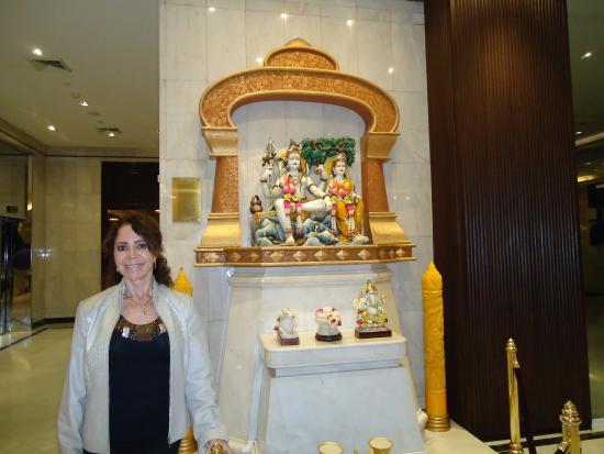 Holiday Inn Bangkok Silom: Saguão do hotel