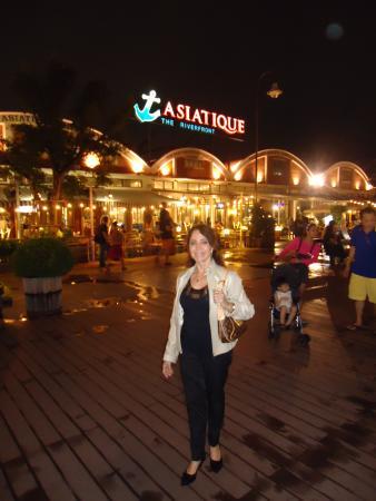 """Holiday Inn Bangkok Silom: """"Asiatic"""" no pier de Bangkok"""