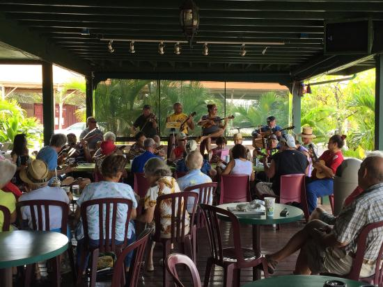 Coffees of Hawaii Plantation Store: Tues 10:00 am 11/18/14 live large group music on the porch