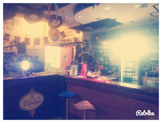 Oratino, Italia: Il bar