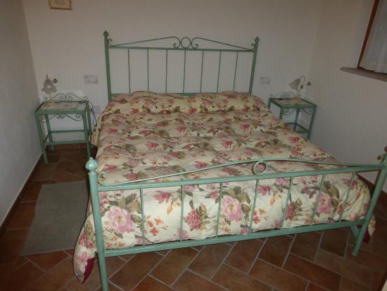 Camera da letto - Foto di Valle del Metauro Country House ...
