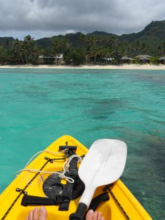 Rarotonga Beach Bungalows: View of RBB from lagoon