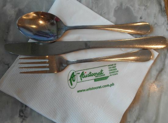 The Aristocrat : Tableware
