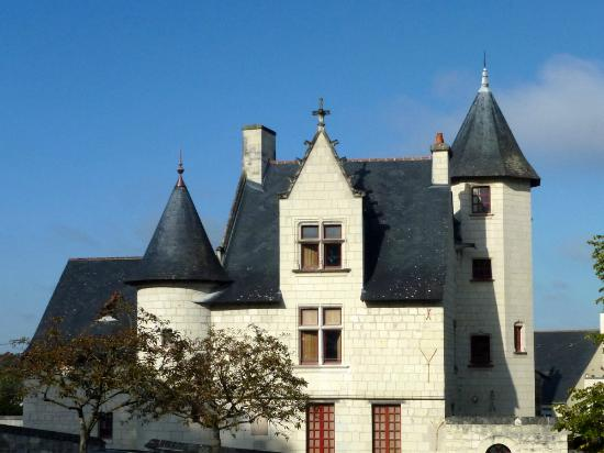 la maison des compagnons du devoir picture of chateau de saumur saumur tripadvisor. Black Bedroom Furniture Sets. Home Design Ideas