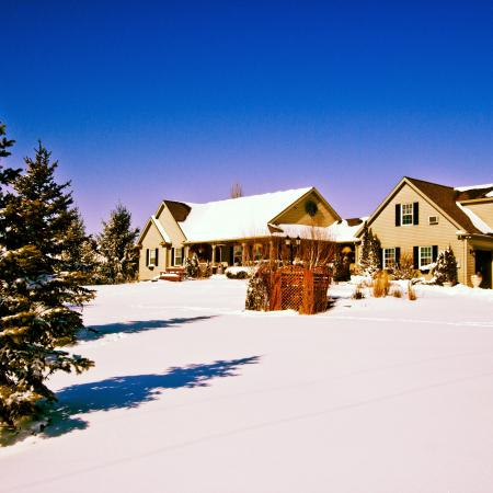 Serenity Ranch Bed and Breakfast: Surrounded by winter snow.