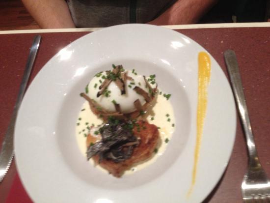 Le Cote: Entrée : œuf de poule, creme de lard et truffe