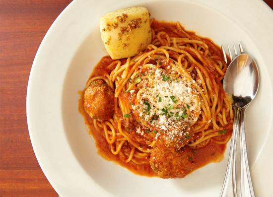 Tomatina: Mama's spaghetti and meatballs