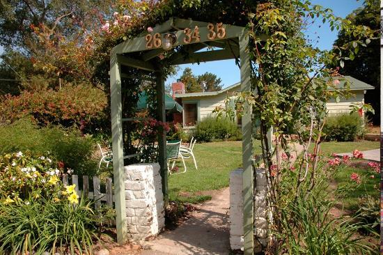 Carmel River Inn: Entrance