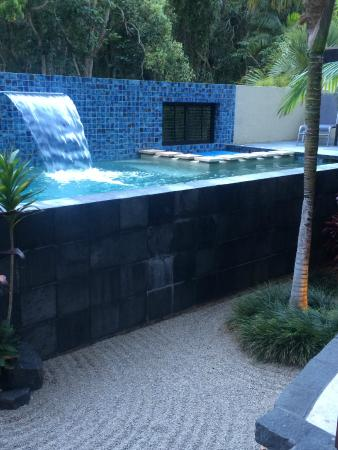 The Villas of Byron: Your very own very private pool and spa :)