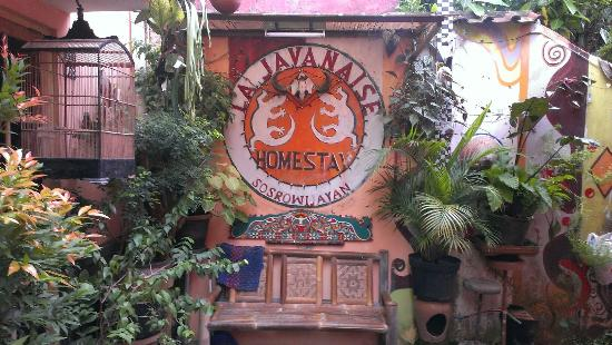 La Javanaise Home Stay: Outside
