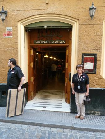 La Cava Taberna Flamenca : The Entrance