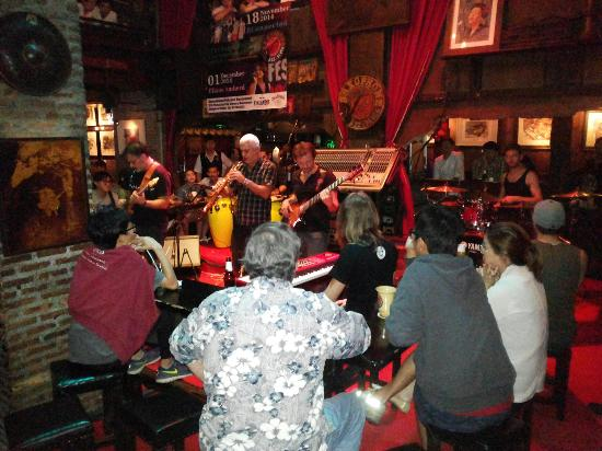 Saxophone Pub: Saxophone