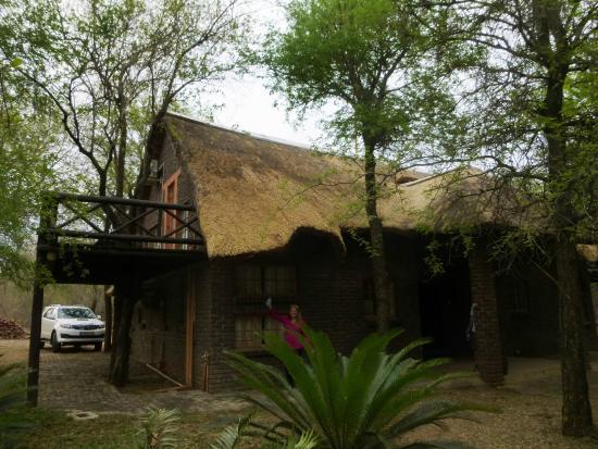 Phumula Kruger Lodge: self-catering chalet (2-story)