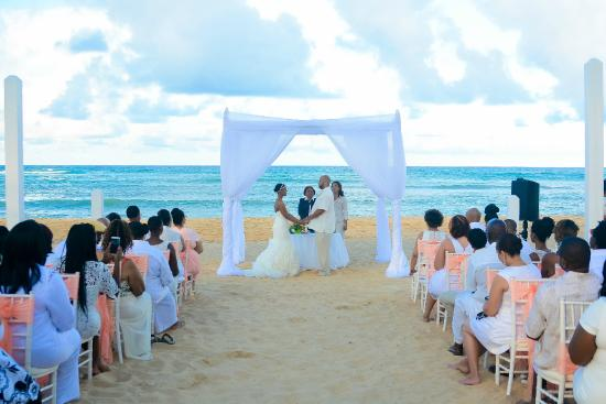 Dreams Punta Cana Resort Spa Wedding Ceremony With An Official Judge