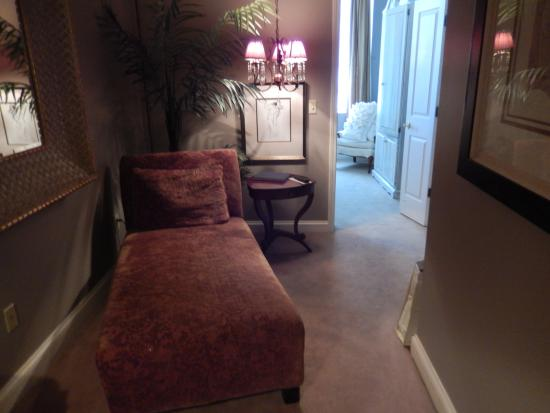 Old Capitol Inn: A small sitting room that can be closed off from our main room