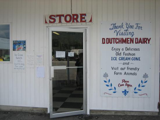 D Dutchmen Dairy: The entrance