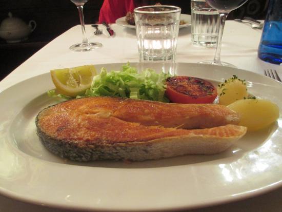 La Taberna del Capitan Alatriste: Grilled Salmon