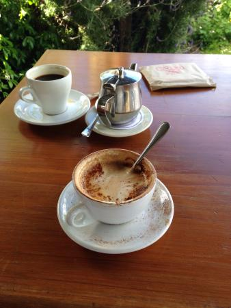 Hislops Wholefood Cafe : Great service! Awesome afternoon coffee! Menu looks amazing!