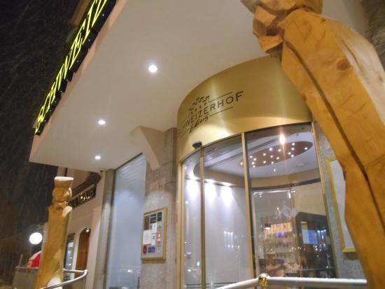 Hotel Schweizerhof: Frente do Hotel