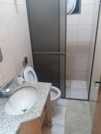 Pousada El Shaddai: 1st floor bathroom