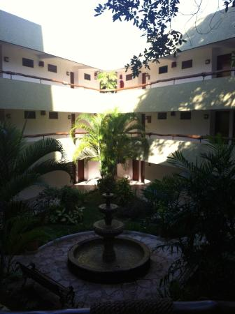 Casa del Mar Cozumel Hotel & Dive Resort: Casa del Mar Courtyard