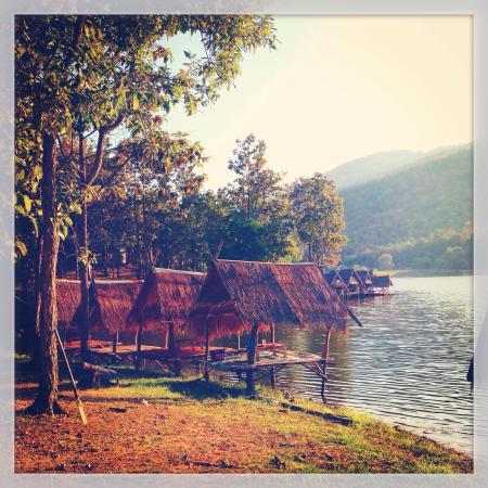 Huay Tung Tao Lake: The lake