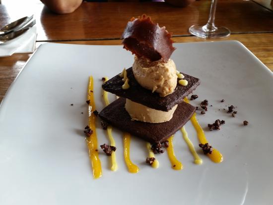 221 Restaurant & Bar: Ice Cream Layer Cake